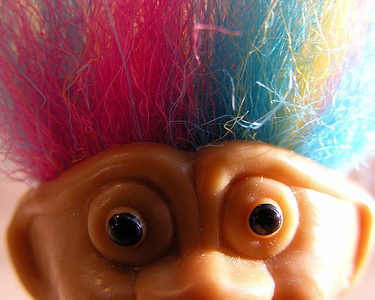 rainbow troll probably does not have lice, thankfully