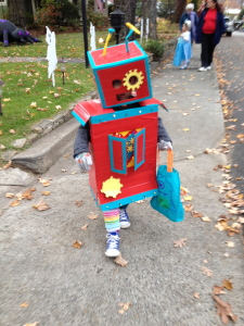 CHILD IN ROBOT COSTUME